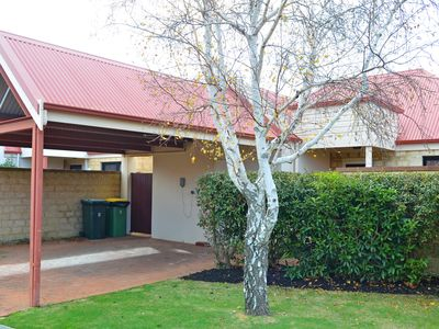Photo for Halcyon Daze is a private townhouse located in Dunsborough.