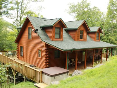 "Photo for ""Lucy in the Sky"" Log Cabin 1/2 hour from Asheville in Smoky mnts sleeps 11/ pet"
