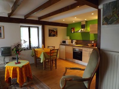 Photo for Between vineyards and mountains, the family home to fresh air and quiet,