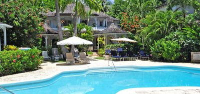 Emerald Beach 2 - Villa Allamand -  Beach Front - Located in  Tropical Gibbs Bay with Private Chef Services