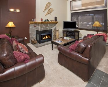 Photo for Enjoy This 3 Bedroom Vacation Condo Only 125 Yards To The Ski Lift In Lionshead