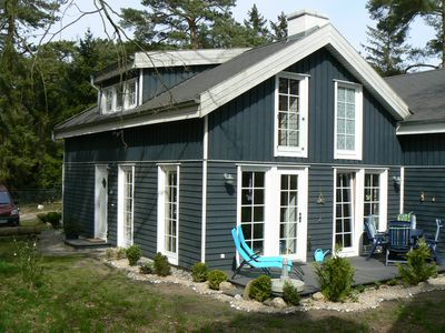 Photo for Family-friendly holiday home at the beach, pets welcome