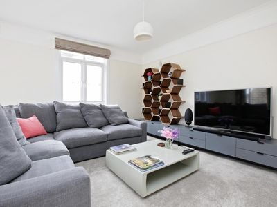 Photo for Apartment in London with Internet, Parking, Balcony (996266)