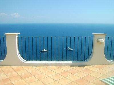 From the roof terrace of Casa Carlo you enjoy an uninhibited view of the sea.