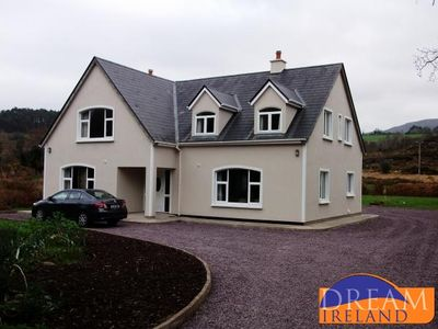Photo for Luxury 4 bedroom home just a short walk from Kenmare town centre