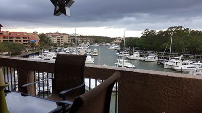 Photo for Penthouse condo overlooking Shelter Cove Harbour & membership at Powerhouse Gym