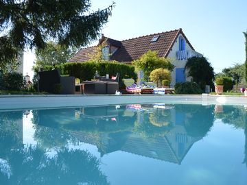 Holiday rental with private pool and fireplace in Burgundy Morvan