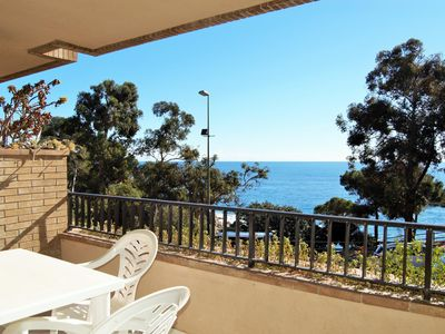 Photo for Beautiful apartment for 4-5 people with shared pool in the best area of Lloret d