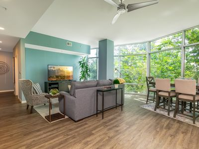 Photo for Luxurious Downtown 1.5 bed / 2 bath Apartment