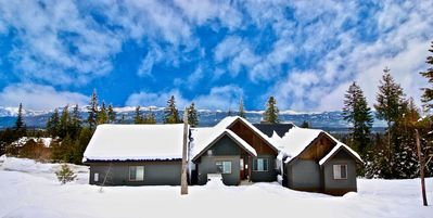 Photo for Dragontail View at Trailside! | Hot Tub | Summer Pool Access | Mountain Views