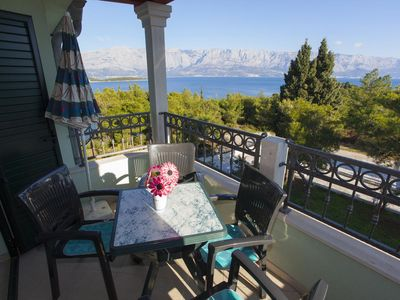 Photo for Two bedroom apartment with terrace and sea view Sumartin (Brač)