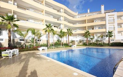 Photo for Beautiful 2 Bedroom Apartment with Pool