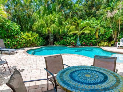 2 Minutes from the Gulf Beaches - Heated Pool