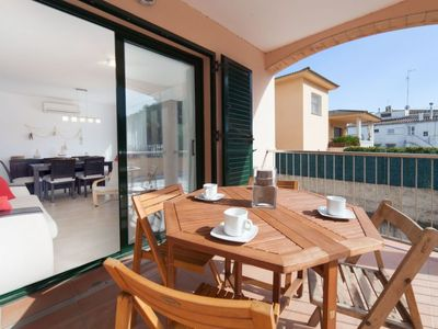 Photo for Apartment Escorxador  in L'Escala, Costa Brava - 6 persons, 3 bedrooms