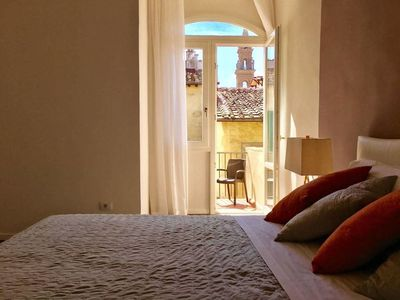 Photo for Cozy & Bright Top Floor Flat by Santo Spirito
