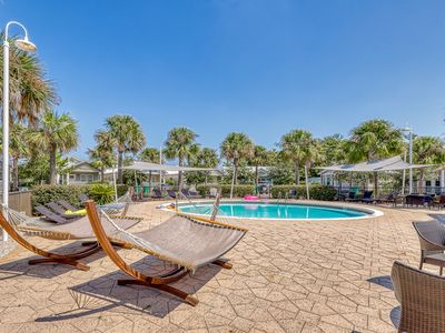 Photo for Gorgeous dog-friendly home w/shared pool - within walking distance of the beach
