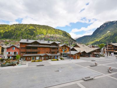Photo for Apartment for 6 people in central Morzine, with east-facing balcony