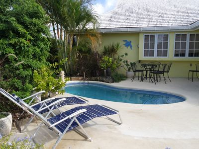 Photo for Spacious breezy holiday villa with plunge pool near Rockley Beach