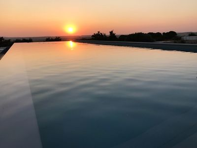 Photo for Countryside retreat with infinity pool next to Lisbon