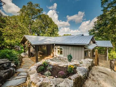 Secluded Cabin Yet So Close To All Things Chattanooga. 50% Down To Reserve. The Nest