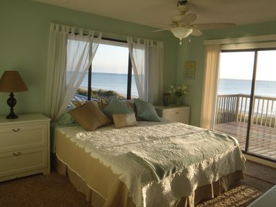 Photo for 'La Te Da' Beachfront House.  !!SPRING FLING $300 OFF COUPLE ONLY DISCOUNT!!