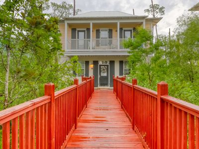Photo for Charming bungalow-style condo w/ shared pools & hot tub - walk to beach!