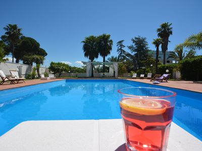Photo for Country villa with private pool, tennis court, five minutes from the sea