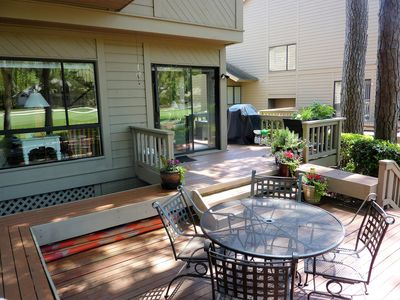 Photo for Seapines 3/bed 3.5/bath, direct golf view,on site pool,free bikes, tennis,wifi