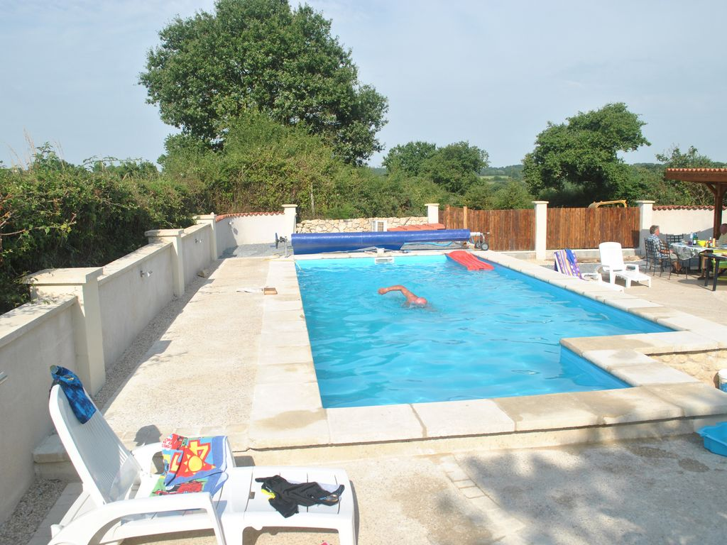 Secluded 3 bed house with heated swimming pool outdoor for Heated garden swimming pools