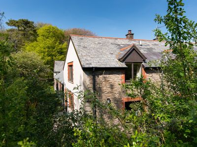Photo for Charming barn conversion, sleeps 4 in 3 bedrooms with shared swimming pool and tennis court
