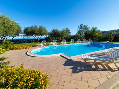 Photo for B & B room with swimming pool