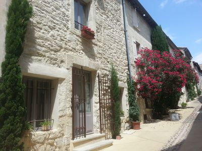 Photo for Very nice house, village center, terrace with beautiful view of Palais des Papes