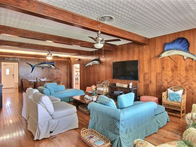 Photo for Sunnyhill: On Beach Access Road, Walk to Favorites and Ocean, Free Golf Cart