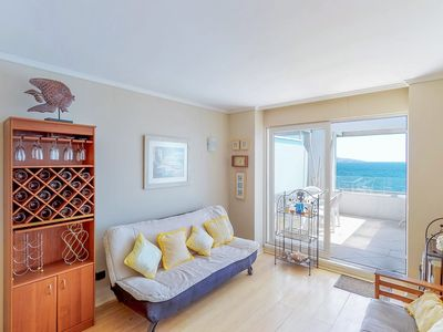 Photo for Depto frente al mar con piscina compartida - Oceanfront apt with shared pool