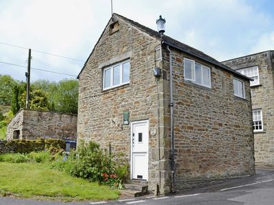 Photo for 1BR Cottage Vacation Rental in Eyam, England