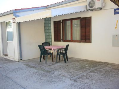 Photo for Two bedroom apartment with terrace and sea view Mimice (Omiš)