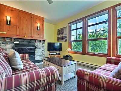 Photo for Cozy 1BR Facing the Hill, Year Round Common Area Hot Tub/Sauna (215556)