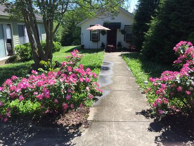 Photo for Cottage 10 minutes from TIEC,  downtown Columbus. Very charming, comfortable.