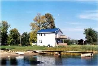 Photo for Waterfront 4 Bdrm, Gallop Canal/Thousand Islands; kayaking; NEW HOT TUB.