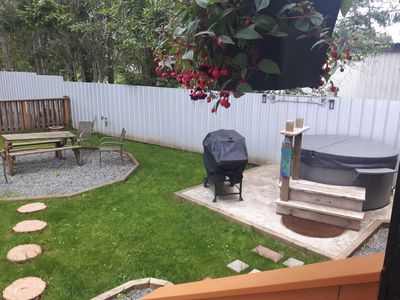 Photo for Chick Inn Cottage, Private Hot tub, Queen bed, Fenced Yard!