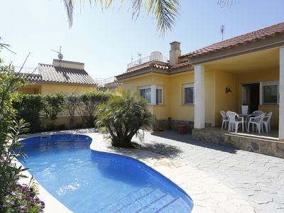 Photo for 3 bedroom Villa, sleeps 6 in Riumar with Pool, Air Con and WiFi
