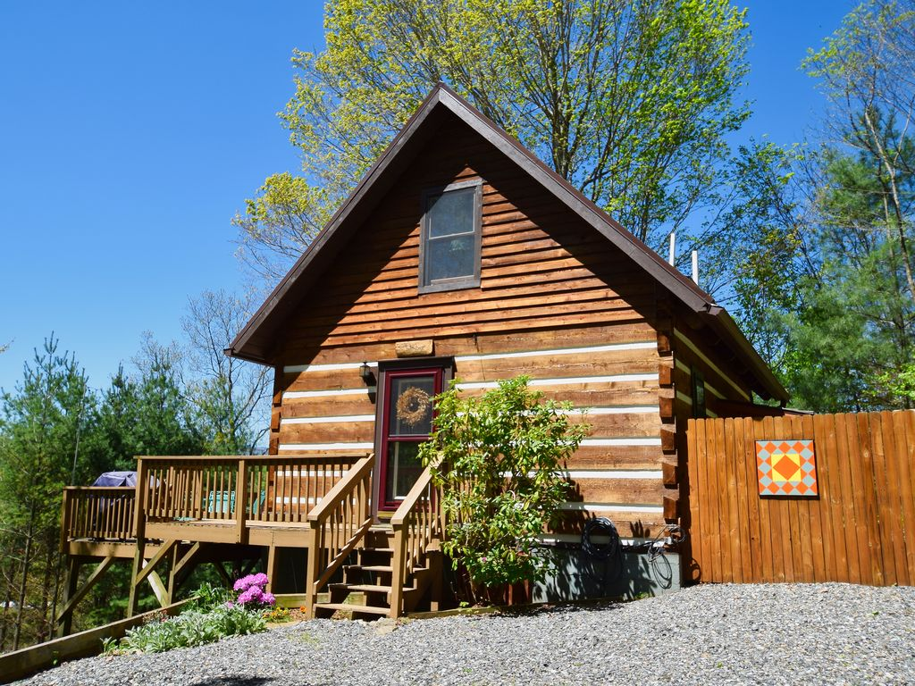 mountain log chalets grandfather condos high cabin nc country in rentals alc the cabins alpine lodging and