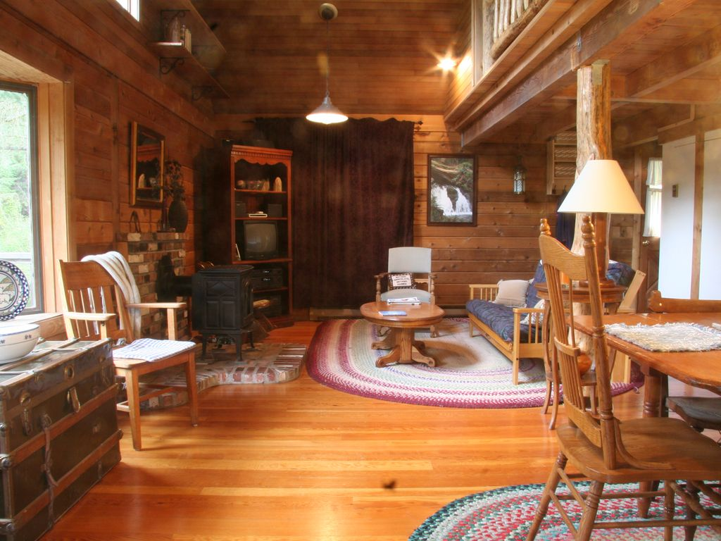 Property Image#5 Secluded Orcas Island Cabin