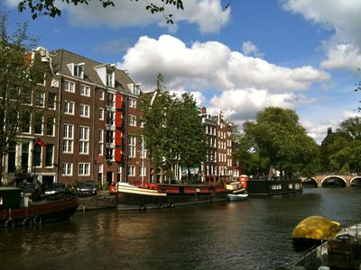 17th Century Monument (red shutters) on the Prinsengracht