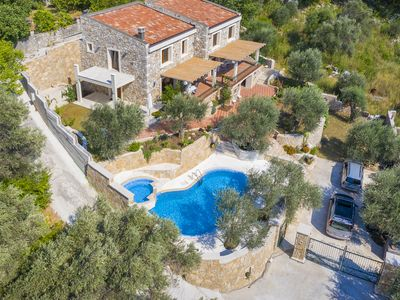 Photo for Three Bedroom Stone Villa with Pool and Sea View
