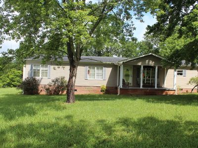 Photo for Lakefront 3 Bedroom, 2 Bath and Pet Friendly Near Chattooga River and Belle Farm
