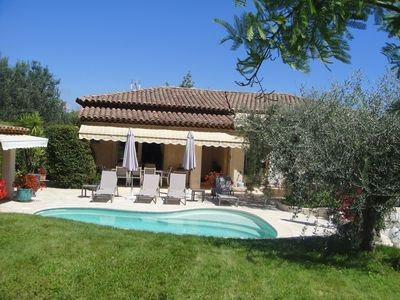 Photo for Beautiful Provencal house located in a private road, very quiet.