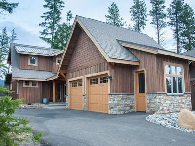 Photo for Walking Distance to the Pool.  BBQ, Fire Pit, Hot Tub, and Full Resort Access!