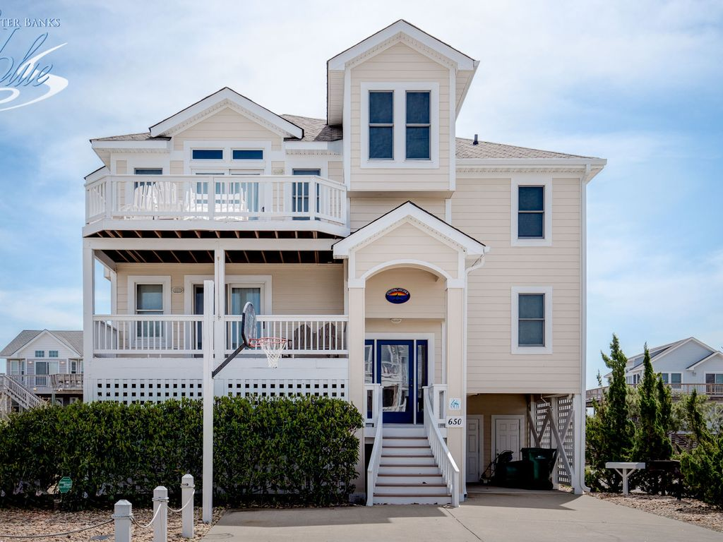 Oyster Catcher 5 Br 5 Ba Six Bedroom House In Corolla Sleeps 12 Corolla Outer Banks