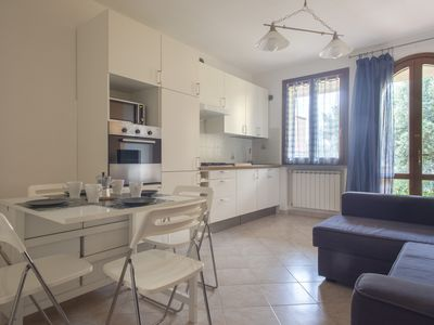 Photo for Vermentino - Bright two-room apartment with swimming pool in Suvereto